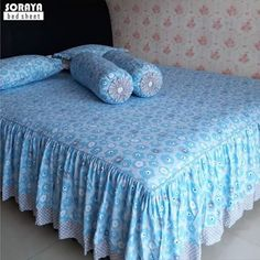 Cushions On Sofa, Bed Pillows, Creative Beds, Bed Cover Design, Designer Bed Sheets, Bedroom Decorating Tips, Blue Comforter Sets, Bed Covers, Bed Spreads