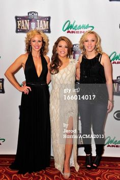 News Photo: Musicians Kristen Kelly Angie Johnson and Morgan Frazier…