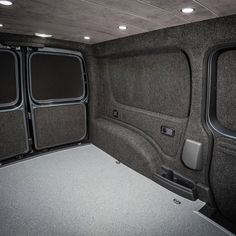 Kombi Interior, Van Interior, Custom Camper Vans, Custom Vans, Van Conversion Interior, Camper Conversion, Vw Transporter Camper, T5 Camper, Bike Storage In Van