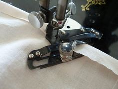 Singer Adjustable Hemmer Sewing Machine Attachment