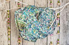 Szale jedwabne z Indii - duży wybór wzorów - idealne na prezent / Silk scarves from India - large selection of designs - perfect for gift / Seidentücher aus Indien - große Auswahl an Designs - ideal für Geschenk #boho #bohostreetwear #silk #design #girl #perfectgift #geschenk #ethno #hippie #bohemian #seidenschal #orient