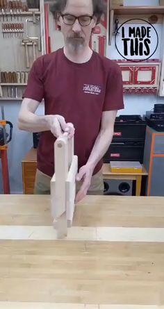 Folding Furniture, Space Saving Furniture, Furniture Projects, Wood Furniture, Woodworking Techniques, Easy Woodworking Projects, Woodworking Furniture, Woodworking Plans, Unique Woodworking