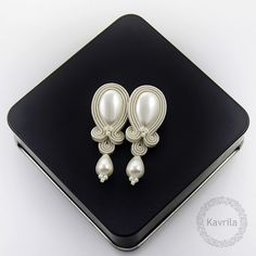 Candy pearl soutache - kolczyki ślubne sutasz KAVRILA #sutasz #kolczyki #ślubne #rękodzieło #soutache #handmade #earrings #wedding #ivory #kavrila