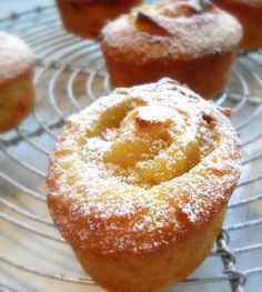 Lemon Friands - These delicate little almond cakes topped with a delicious swirl of lemon curd are absolutely delightful! by the English Kitchen Lemon Desserts, Lemon Recipes, Mini Desserts, Just Desserts, Baking Recipes, Sweet Recipes, Cake Recipes, Lemon Curd Dessert, Lemon Curd Cake