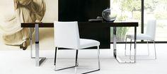 Lex by Ximo Roca Diseño. Colección compuesta por mesa de comedor, mesa baja, consola y escritorio que combina el sobre de madera con estructura de metal.