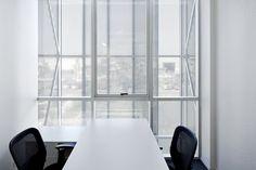 Galeria - Edifício do Laboratório Synthon / GH+A | Guillermo Hevia - 9