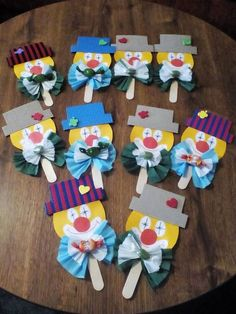 Clown Palette: - Apocalypse Now And Then Craft Activities, Preschool Crafts, Diy And Crafts, Craft Projects, Crafts For Kids, Arts And Crafts, Paper Crafts, Clown Crafts, Circus Crafts