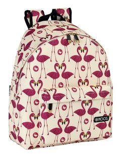 En la colección de papelería Moos Flamingo, los flamencos son los animales protagonistas de esta alegre y colorista línea escolar. Los tonos fucsia y rosas son los colores utilizados en el diseño de esta singular línea. Day pack escolar para niñas a las que le gustan los flamingos. Pueden utilizarla para sus actividades dentro y fuera del cole, vacaciones, viajes, excursiones... Dimensiones: 32 cm x 40 cm x 14 cm.