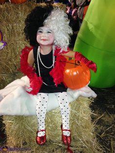 Cruella DeVille & her Dalmatian - Homemade costumes for kids