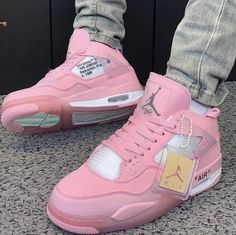 Dr Shoes, All Nike Shoes, Hype Shoes, Jordan Shoes Girls, Girls Shoes, Basket Style, Cute Sneakers, Aesthetic Shoes, Fresh Shoes