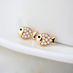 Cute Golden Pearl Fish Stud Earring