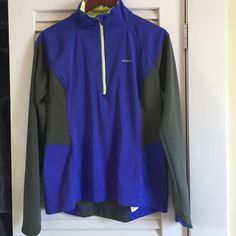 NWOT COLUMBIA JACKET This is honestly a deal! Bought last year and never wear it! It is high quality and perfect for outdoors! Thumb holes and wind proof Columbia Jackets & Coats Utility Jackets