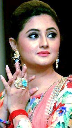 Indian Actress Hot Pics, Actress Pics, Indian Actresses, Beautiful Bollywood Actress, Most Beautiful Indian Actress, Bridal Fashion, Womens Fashion, Bollywood Girls, Top Celebrities