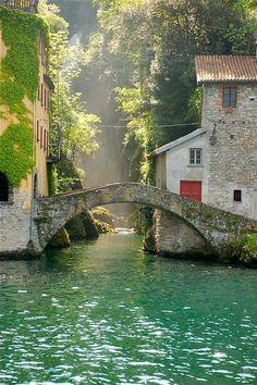 Nesso, Itália, no Lago de Como: