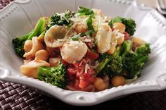 Studies have shown that adherence to a Mediterranean diet significantly improves creatinine clearance.. http://wp.me/p3nMAe-7Zu