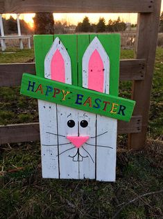 Wooden Happy Easter Bunny - Diy How to Crafts Pallet Crafts, Diy Pallet Projects, Wooden Crafts, Wood Projects, Easter Projects, Easter Crafts, Easter Decor, Easter Outside Decorations, Outdoor Decorations