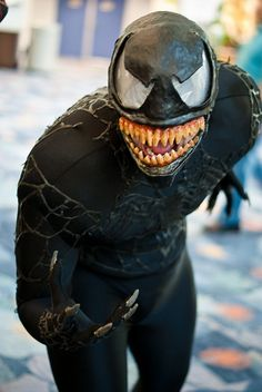 Venom cosplay, Spider-Man. View more EPIC cosplay at http://pinterest.com/SuburbanFandom/cosplay/