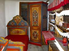 painted folk art bed - Google Search