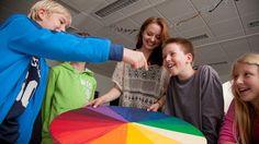 Yliopisto kouluttaa opettajista digitaalisuuden ja kouluhyvinvoinnin erikoisosaajia