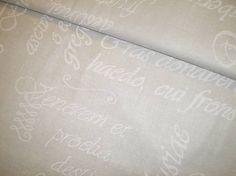 johaninka / Biele písmo na bledučkošedej š. 150cm