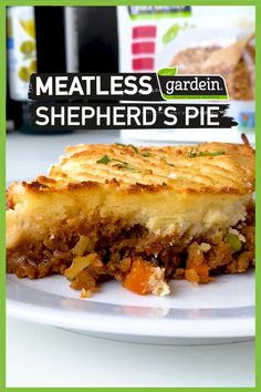 What's more comforting than a slice of Shepherd's Pie? Try this hearty vegan version, made with our Gardein Gardein Beefless Grounds and a savory vegetable filling. It's the perfect comfort food for cold winter days! Look for Gardein in the frozen aisle. Vegan Recipes Plant Based, Vegan Dinner Recipes, Veggie Recipes, Whole Food Recipes, Vegetarian Recipes, Cooking Recipes, Healthy Recipes, Vegan Foods, Vegan Dishes
