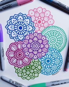 """ que tus sueños pesen mas que tus excusas. Easy Doodle Art, Doodle Art Designs, Doodle Art Drawing, Doodle Patterns, Cool Art Drawings, Zentangle Patterns, Art Drawings Sketches, Easy Drawings, Flower Drawings"