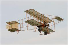 Bristol Boxkite; photo by NamelessFaithlessGod.deviantart.com