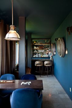 Alan's Retreat In The Hills.. private bar.. basement rumpus.. boutique..
