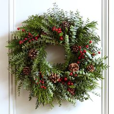Christmas holiday fragrant berry wreath from wiliams-sonoma Simple Christmas, Christmas Home, Christmas Crafts, Christmas Ideas, Christmas Garlands, Beach Christmas, Berry Garland, Berry Wreath, Chalet Chic