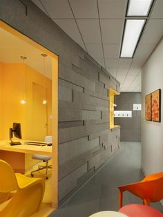 Implantlogyca Dental Office Interiors / Antonio Sofan Architect Home Office Design Fashion Home office. Dental Office Design, Workplace Design, Healthcare Design, Office Interior Design, Home Interior, Interior Architecture, Natural Interior, Interior Sketch, Nordic Interior