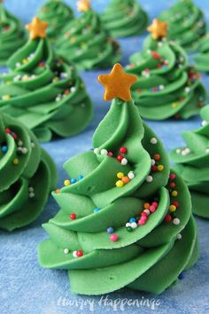 Making these Creme de Menthe Fudge Christmas trees is as easy ad piping a big swirl of frosting onto a cupcake. Add a few sprinkles and a gold star on top and your fudge trees are ready to serve for Christmas dessert. They make a festive holiday gift too if packaged in a Christmas tin.