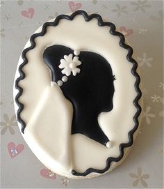 Cameo Bridal Veil Cookies
