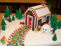 Modify for Feast of Tabernacles: LEGO GingerBread House Lego Winter, Lego Design, Legos, Lego Lego, Lego Gingerbread House, Gingerbread Cookies, Lego Christmas Village, Christmas Time, Christmas Crafts