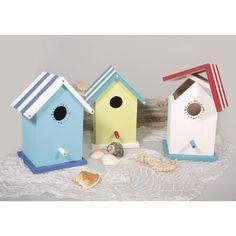 Nestkastje beschilderen: Maak een mooi nestkastje voor kleine vogeltjes. Beschilder dit nestkastje met speciale acrylverf die geschikt is voor buiten. En als de verf goed gedroogd is, kun je het nestkastje buiten ophangen.  •Geschikt voor 6 jaar en ouder •Prijs per kind: € 15,00