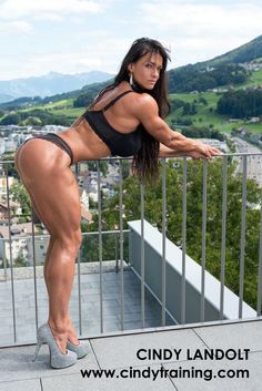 """Download my """"10 simple do's and don'ts"""", when it comes to the basics of nutrition!.. Make sure you're laying the foundations for your perfect physique!  http://personal-trainer-zuerich.cindytraining.com/10-dos-and-donts-english/  Lade meine """"10 Do's und Don'ts"""" herunter, wenn es um die grundlegende Basis einer guten Ernaehrung geht und du deinen Traumkoerper haben willst!  http://personal-trainer-zuerich.cindytraining.com/10-dos-and-donts-deutsch/"""
