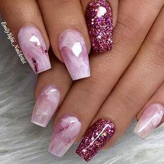 Nails, nail designs and nail art nail glitter design, glitter nail art, acr Pink Sparkle Nails, Bling Nails, My Nails, Glittery Nails, Pointy Nails, Glam Nails, Beauty Nails, Cute Acrylic Nails, Glitter Nail Art