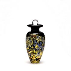 This Mini Urn keepsake is made with 24 carat gold. http://cremation-urns-legacy.com