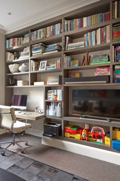 51 Trendy Home Office Planejado Grande Mesa Home Office, Home Office Closet, Home Office Design, Office Designs, Small Office Furniture, Minimal House Design, Office Carpet, Small Home Offices, Murphy Bed Ikea