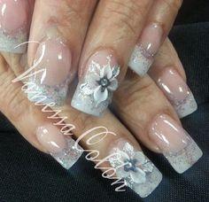 Acrylic nails by Vanessa Colón