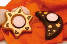 Moule 2 bougeoirs : lune et étoile … Console, Creations, Candles, Birthday, Diy, Ideas, Plastic Animals, Arm Cast, Modeling Paste
