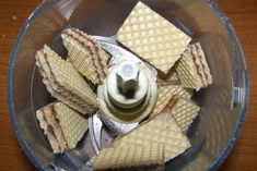 Σιροπιαστό γλυκό με φρυγανιές και κρέμα - Χρυσές Συνταγές Dairy, Food And Drink, Bread, Cheese, Brot, Baking, Breads, Buns