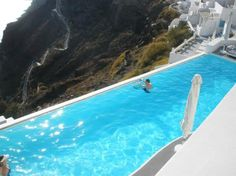 KATIKIES Hotel Santorini   The infinity pool- now that's what I call an infinity pool!