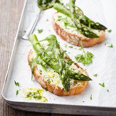 Bruschetta Asparagus & Arugula - Recipes - Sprouts Farmers Market
