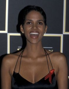 First Annual Screen Actors Guild Awards - Press Room Halle Berry Style, Halle Berry Hot, Celebrity Babies, Celebrity News, Celebrity Style, Halle Berry Bikini, Date Outfit Fall, Train Music, Dorothy Dandridge