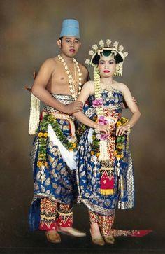 Indonesia traditional wedding costume