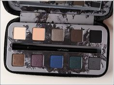 I love this palette, I am saving up to buy it.