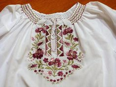 Hungarian White purple Blouse Floral handembroidered, Peasant blouse, floral peasant blouse, embroidered blouse, hungarian embroidered