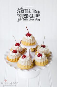 Baby Vanilla Bean Pound Cakes with Vanilla Bean Icing from @Darla | Bakingdom