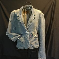 Ladies Levi's jacket Gently used blazer style jacket Levi's Jackets & Coats Jean Jackets