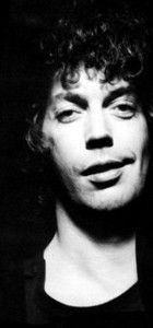 Tim Curry WHY ARE YOU DOING THIS TO ME!?!?!?!